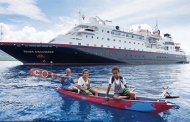 Silversea Cruise ship arrives in the Indian Ocean